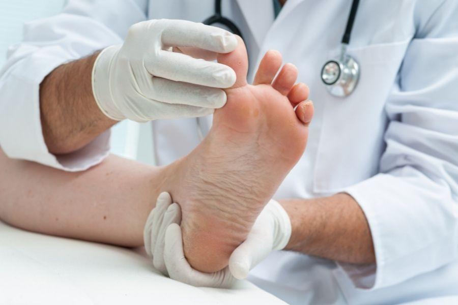 La importancia del cuidado de los pies en el verano