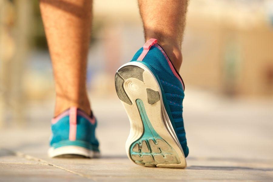 La pisada influye en el desgaste de la zapatilla